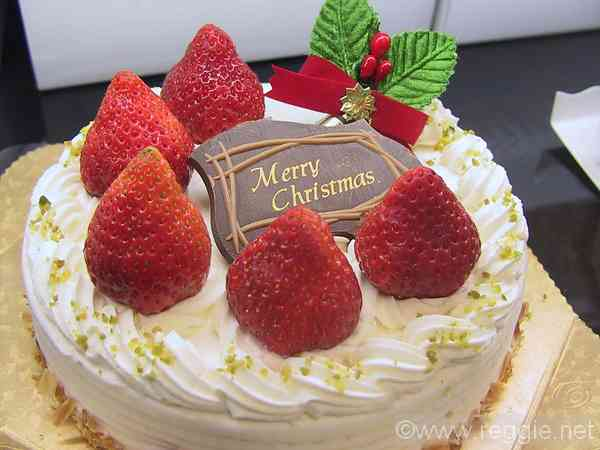 Strawberry Christmas Cake, Shinsaibashi, Osaka, Japan, photo