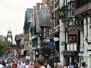 Street scene and Eastgate clock, Chester, Cheshireの写真