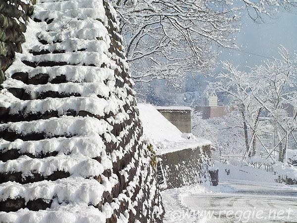 The New Google Home >> Snow steps, Takayama, Gifu-ken, Japan, photo